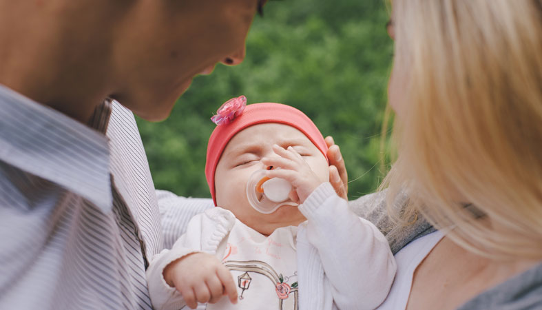 baby with parents