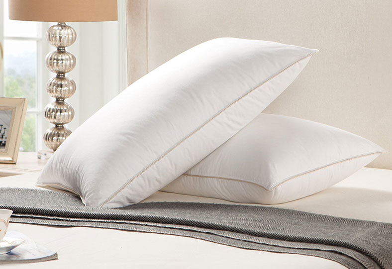 goose down pillow product image