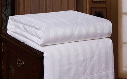 Best Cooling Blanket Comforter For Summer 2019 Review Guide