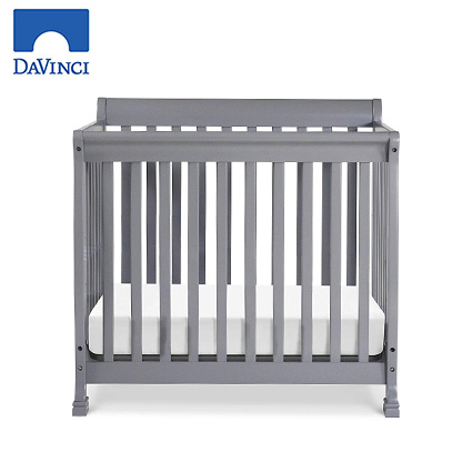 DaVinci product image of mini crib